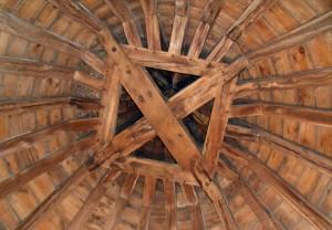 Charpente réparée avec du bois neuf
